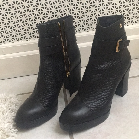 e9b9ace0271 Diesel Leather Booties NWT